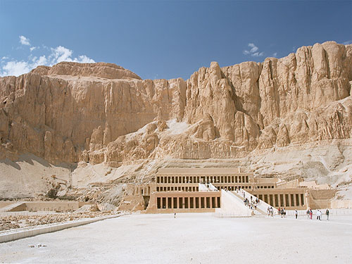 Hatshepsut temple luxor trip with sharmers