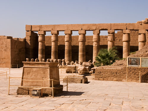 larnak luxor excursion